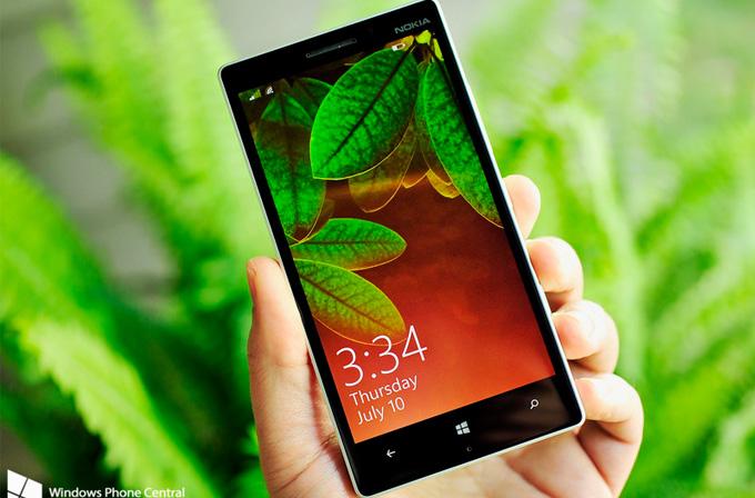 Microsoft, Lumia 830 lansmanında Lumia 930 sürprizi yaptı!