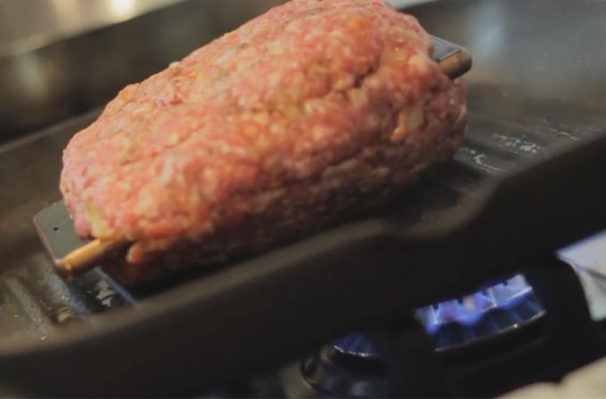 Video: Xperia Z3'ü hamburger içinde pişirdiler, bana mısın demedi…