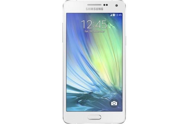 Plastik şasenin ilk defa metale döneceği Alpha serisinde A5 serinin en üst telefonu olarak tanıtılıyor.