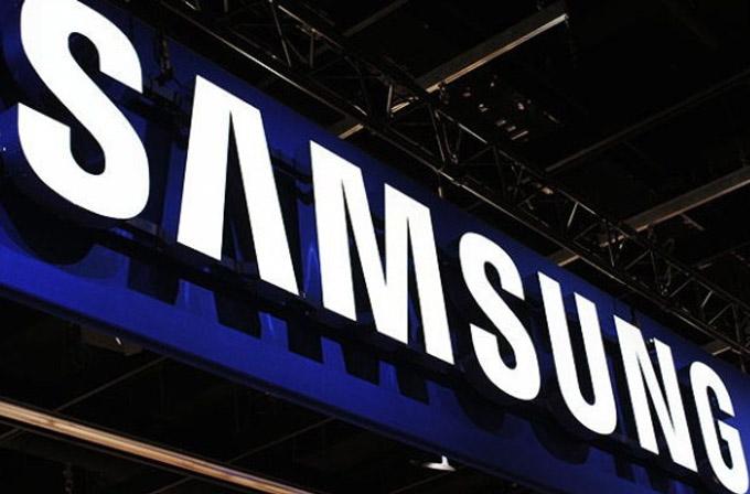 Samsung, bükülen ekranlı akıllı telefon için patent aldı