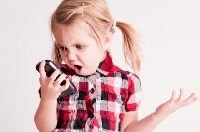 2020 yılında akıllı telefon kullanma yaşı 6'ya düşecek