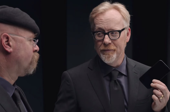 Video: MythBusters, Gorilla Glass'ları test etti!