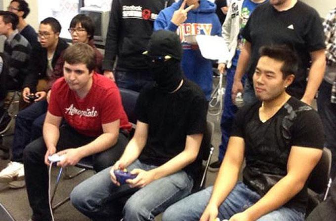 Maskeli oyuncu Smash Bros turnuvasını kazandı