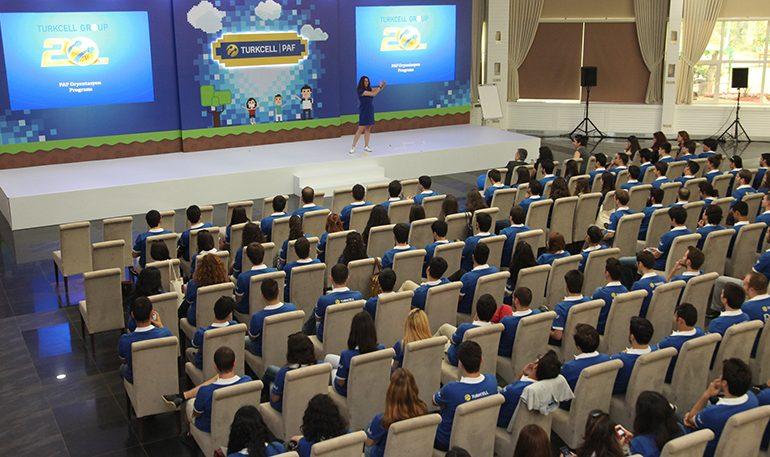 Gençlere, Türkiye'nin en beğenilen şirketi Turkcell'de çalışma fırsatı
