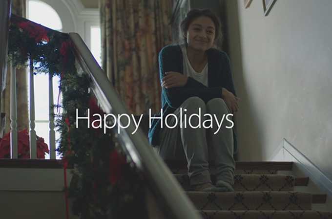 """Video: Apple'dan """"aile"""" dolu bir yılbaşı reklamı"""