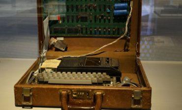 Apple - 1 bilgisayarı 365 bin dolara satıldı