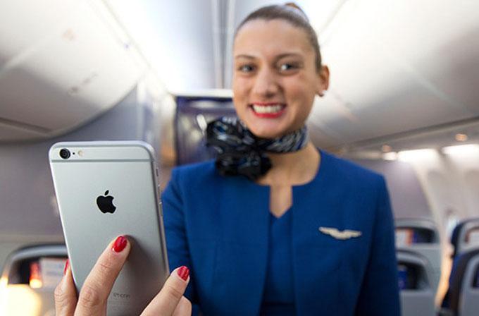 United Airlines, 23 bin uçuş görevlisine iPhone 6 Plus veriyor