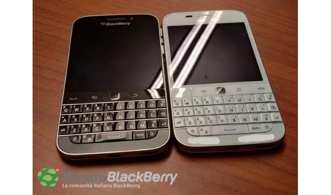 Beyaz BlackBerry Classic ortaya çıktı