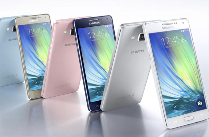 Samsung Galaxy A3 ve Galaxy A5 Türkiye'de satışa çıktı