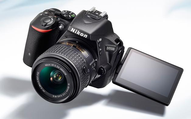 Nikon D5500 ile geç gelen dokunmatik ekran