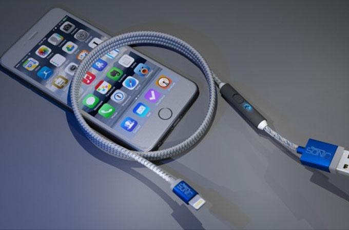 Bu şarj kablosu, akıllı telefonlarınızı iki kat daha hızlı şarj ediyor