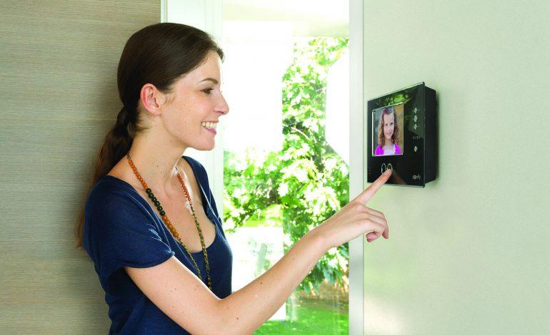 SOMFY'den görüntülü diyafon sistemleri: artık evler daha güvenli