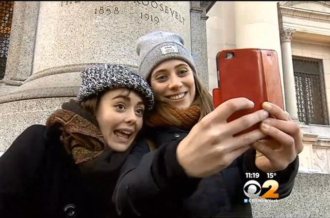 New York müzelerinde selfie çubukları yasaklandı