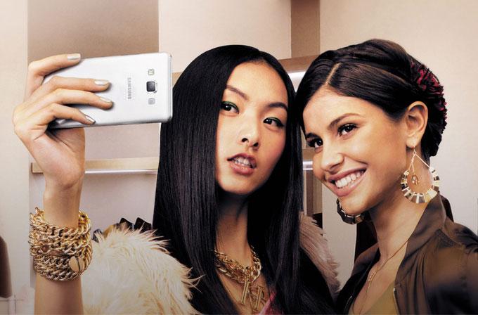 Samsung, Galaxy A3 ve A5 ile selfie rekoru kırdı