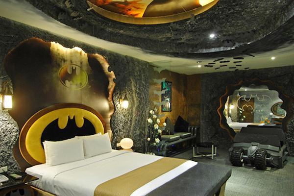 batman hotel (1)