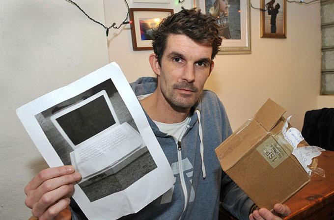 eBay'den MacBook aldı, kargodan sadece laptop fotoğrafı çıktı