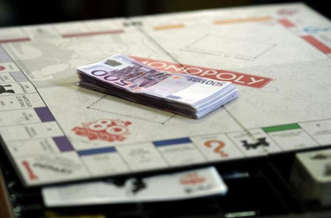 İçinde gerçek para olan Monopoly kutuları satışa çıkıyor