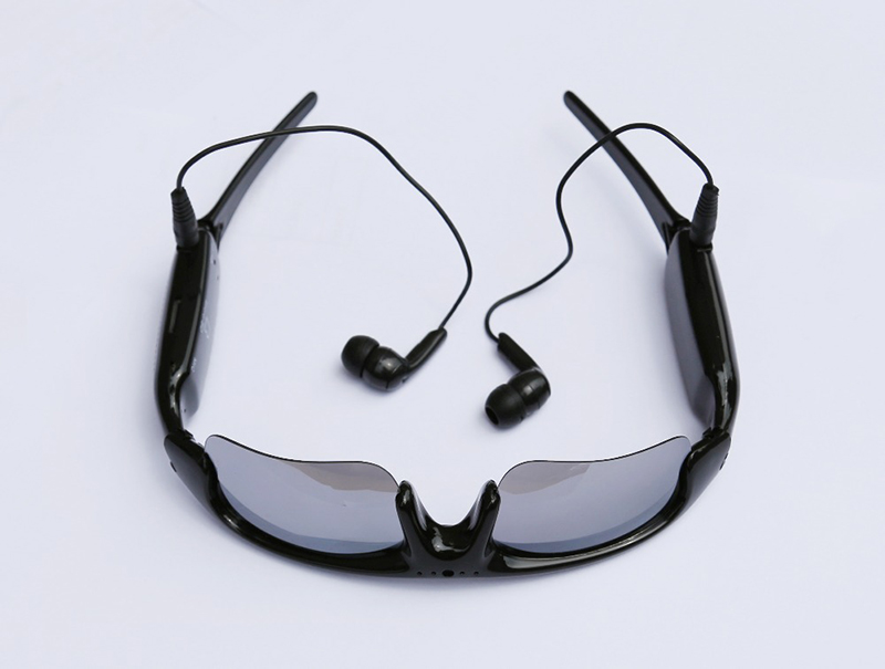 Quadro-Smart-Glasses-SGL-HBM2---view-04-(1)