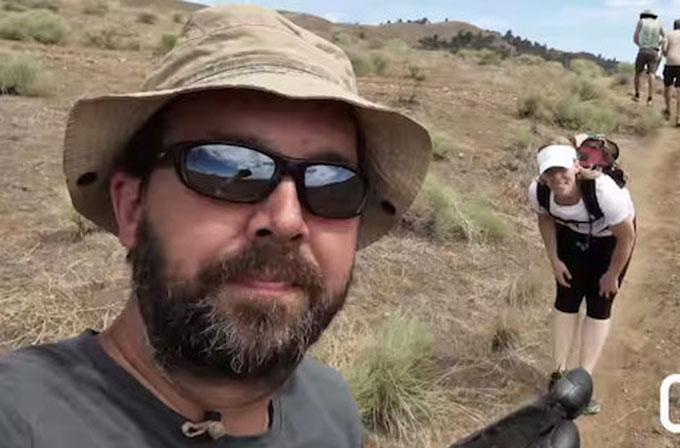4.000km'lik yürüyüşte bir selfie macerası