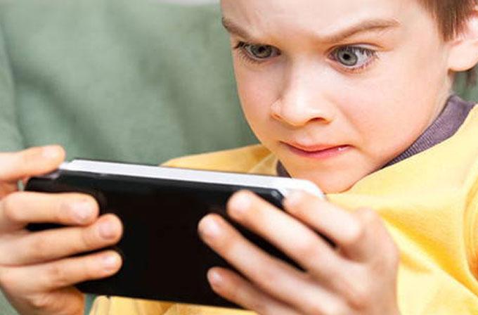 1 yaşının altındaki çocuklar bile mobil cihaz kullanıyor