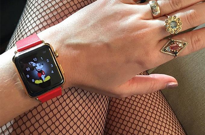 Katy Perry, ilk Apple Watch sahiplerinden biri oldu