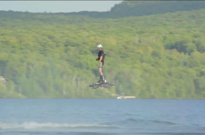 Kendi yaptığı Hoverboard ile Guinness Dünya Rekoru kırdı