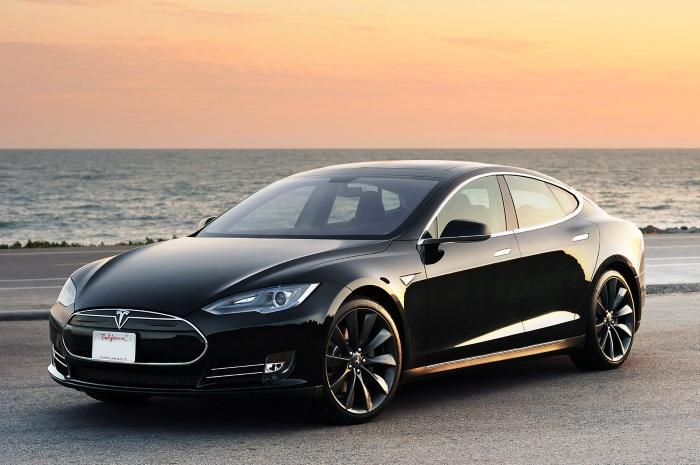 Tesla Model 3, önümüzdeki yıl kendini gösterecek