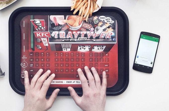 """KFC'den yağlı ellerle bile akıllı telefon kullanabilin diye: """"tepsi klavye"""""""