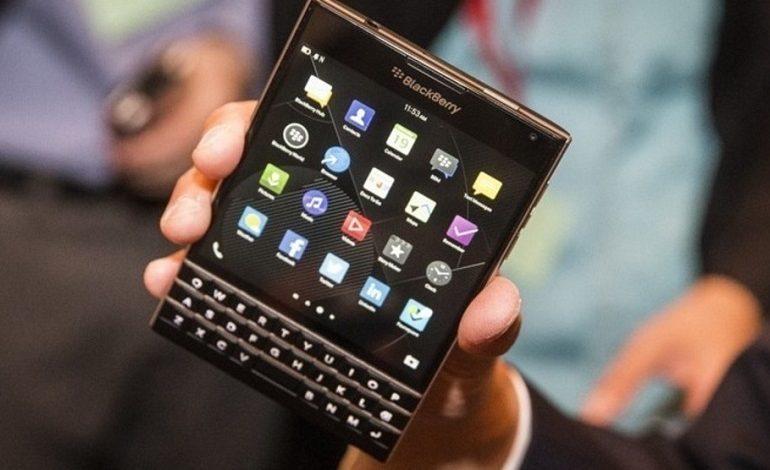 Android 5.1 Lollipop ile çalışan BlackBerry Passport
