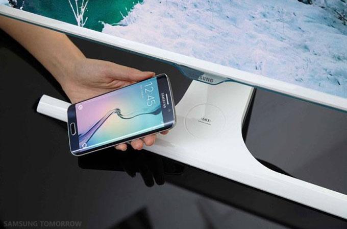 Samsung'tan kablosuz şarj sunan monitör!