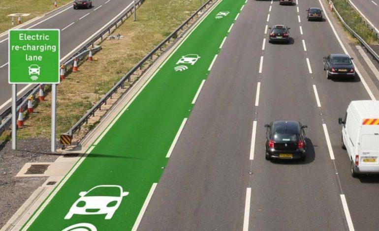 İngiltere'ye elektrikli araçları şarj eden yollar geliyor