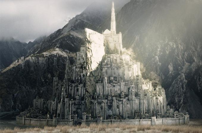 Minas-Tirith şehrinin gerçeğini yapmak için para topluyorlar