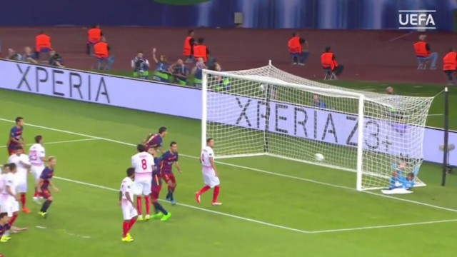 Sony-Xperia-and-Xperia-Z3-logos-were-often-visible-during-the-2015-UEFA-Super-Cup-match