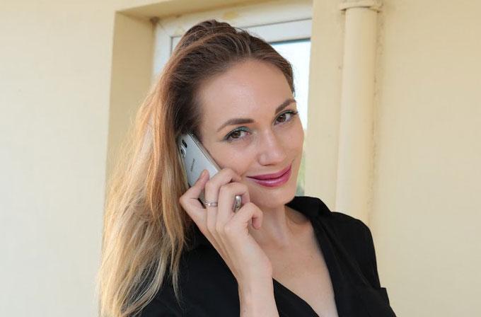 Kız Bakışı: Samsung Galaxy S6 (Alesya Antonova)