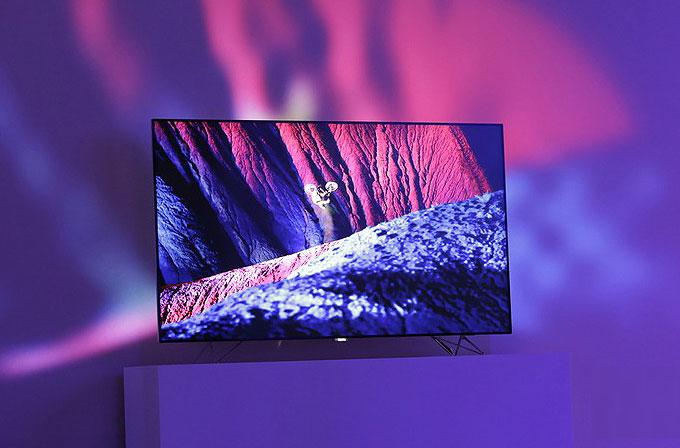 Philips AmbiLux TV ile duvarınızı mega ekrana dönüştürün!