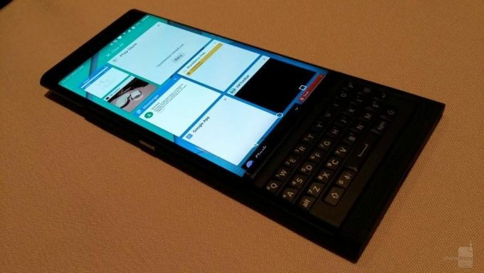 Previously-leaked-photos-allegedly-showing-the-BlackBerry-Priv--Venice