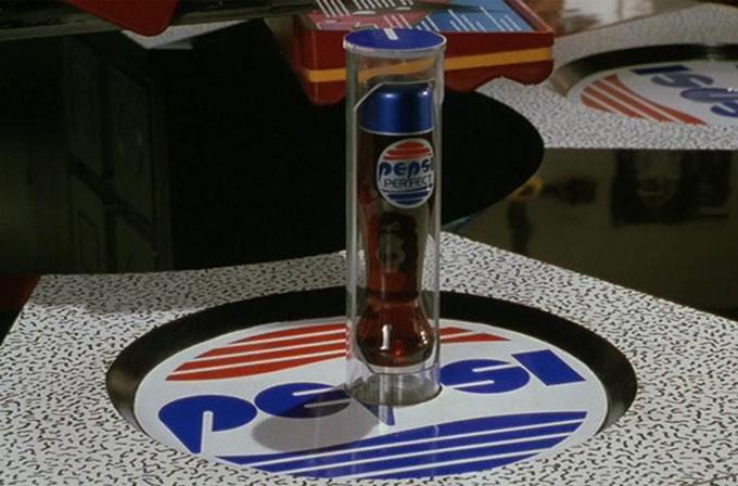 Geleceğe Dönüş II'deki Pepsi şişesi gerçek oluyor