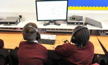 İngiltere'deki okulda çocukların internetteki hareketleri izleniyor