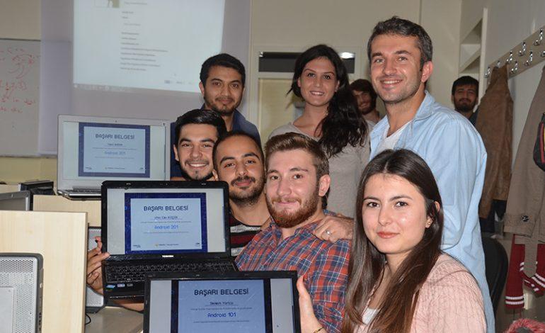 Turkcell'in Geleceği Yazanlar ekibi 125 bin kilometre yol katetti, üniversite öğrencilerine eğitim verdi