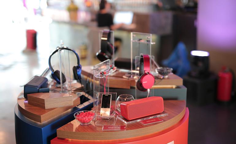 Yüksek Çözünürlüklü Sesin renkli dünyası: Yeni Sony kulaklık, Walkman® ve kablosuz hoparlörler