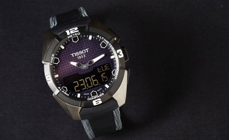 Swatch, ilk akıllı saati Tissot Smart-Touch'ı duyurdu