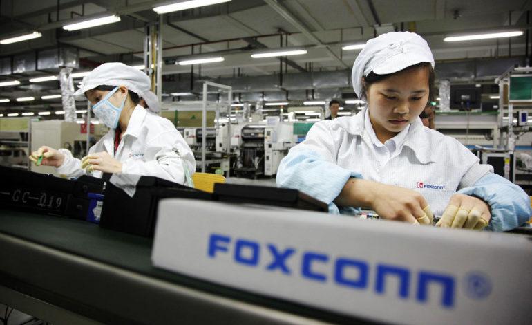 Foxconn, 60.000 İşçinin Yerine Robotları Çalıştıracak