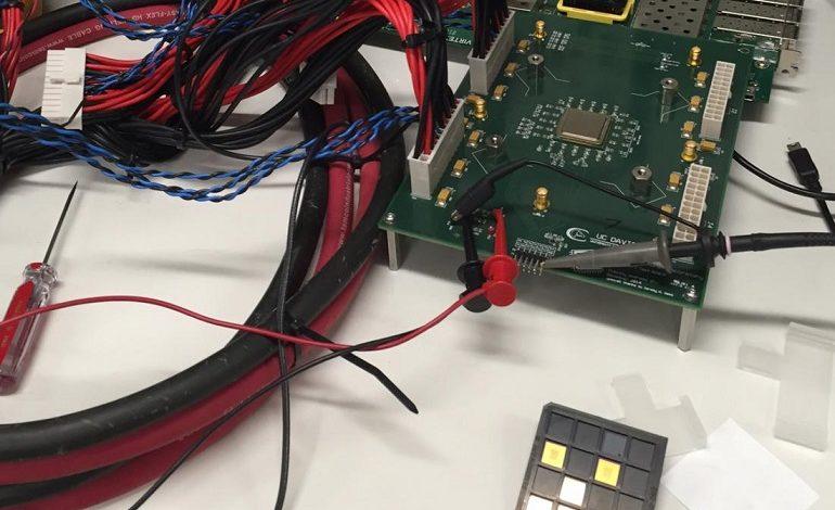 Dünyanın İlk 1000 İşlemcili Mikroçipi Üretildi