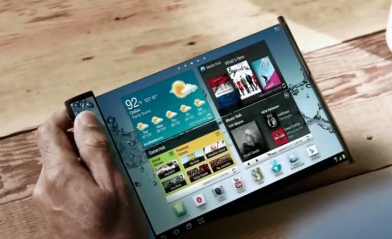 Samsung'dan İki Farklı Katlanabilir Ekranlı Telefon