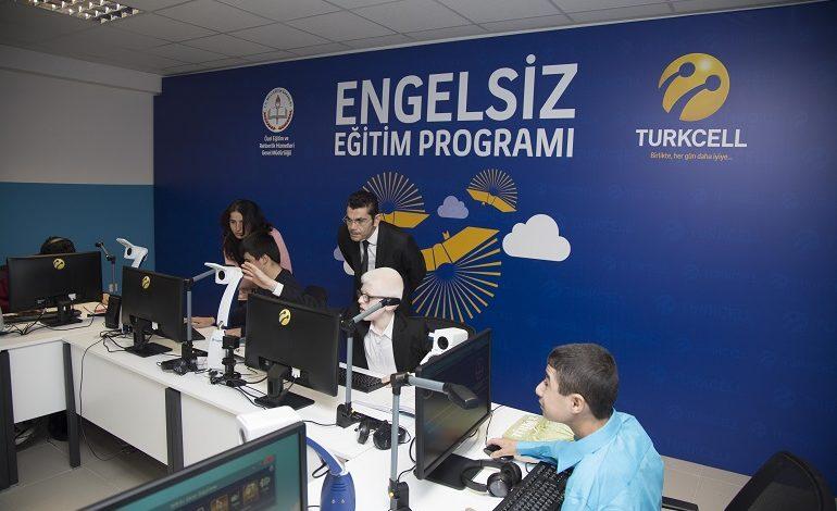 """Turkcell'den """"Engelsiz Eğitim"""" İçin 1 Yılda 47 Okul"""