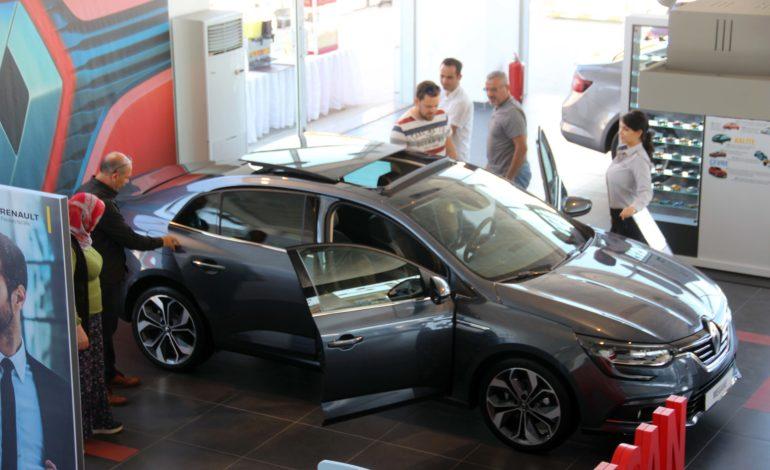 Yeni Megane Sedan, İsotlar Renault'ta Görücüye Çıktı