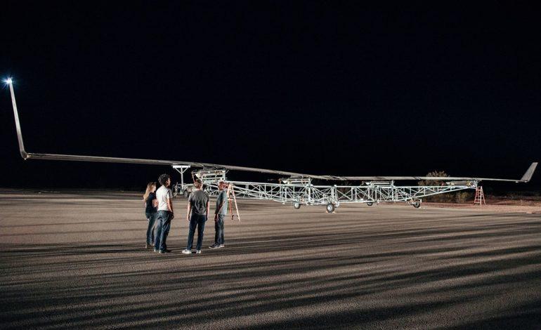 Facebook'un Droneu İlk Uçuşunda Yere Çakıldı