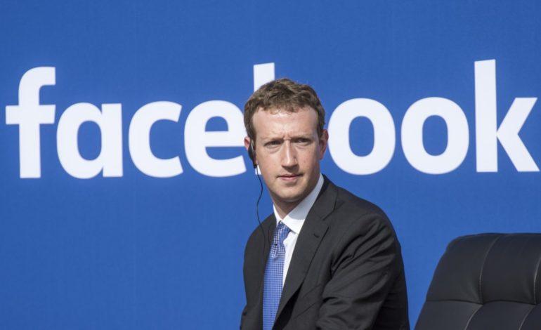 Facebook Aşık Olduğunuzu Gönderilerinizden Anlıyor Olabilir
