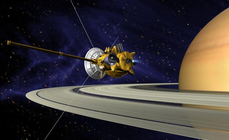 NASA'nın Cassini Uzay Aracı Satürn'den İlk Fotoğrafları Yolladı