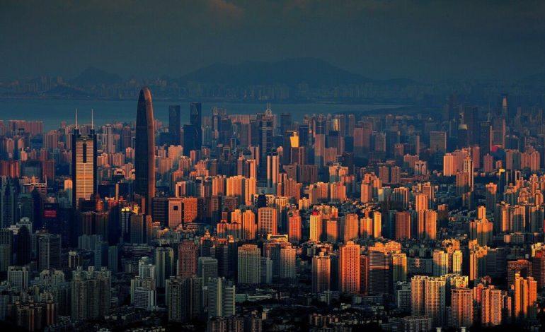 Shenzhen Elektronik Fabrikası Çalışanları Kendi Teknolojilerini Geliştirdi